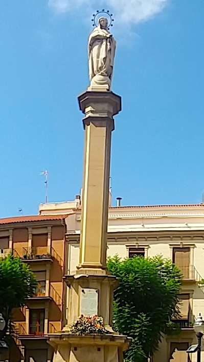 Plaza Santa Catalina, próxima ao Museu Ramón Gaya